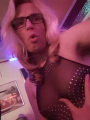 Süsses trans Eskort Girl bittet