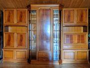 Hochwertige Wohnwand aus massivem Kirschholz
