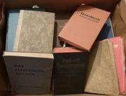 23 alte Kochbücher