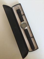 Hochwertiger Armbanduhr Design-Klassiker