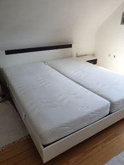 Bett Nachttische und Lattentoste
