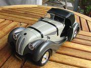 Grosses Modellauto BMW 328 1936