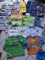 Schönes 23 teiliges Kleidungspaket für
