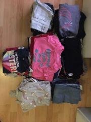 Riesiges Kleiderpaket für Mädchen