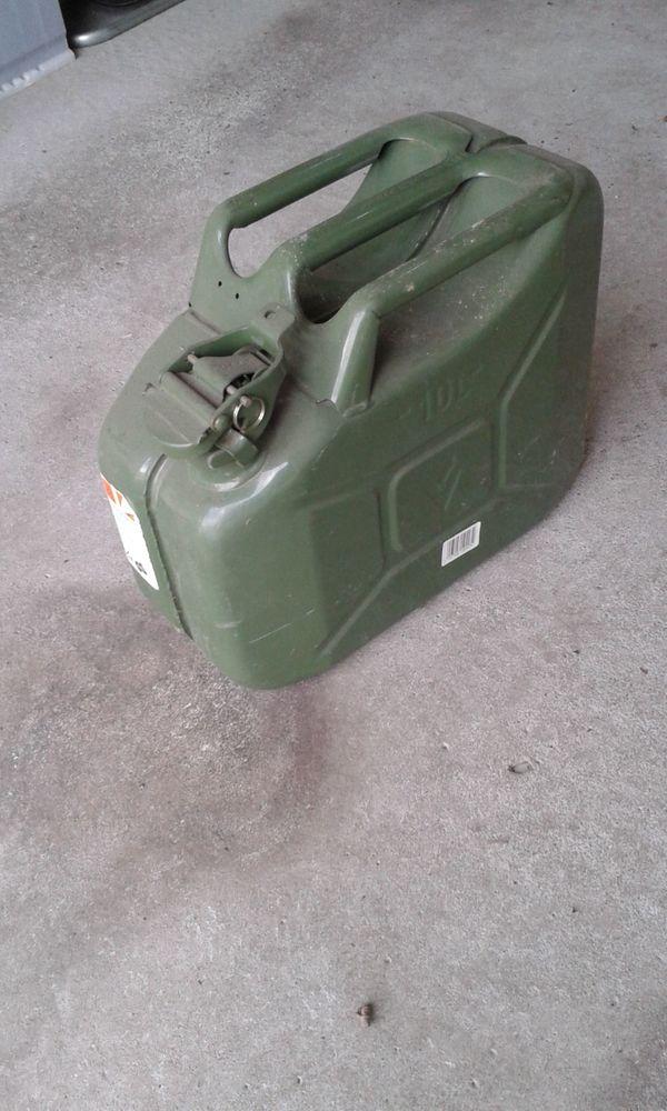 Benzin-Blechkanister