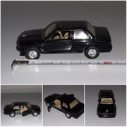 BMW M3 E30 schwarz Oldtimer