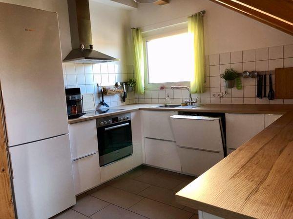 Neuwertige und zeitlose Küche inklusive