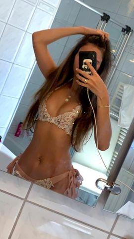 Sexy Bilder & Videos - Biete geile Videos und Unterwäsche