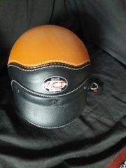 Neuer sehr schöner Helm aus