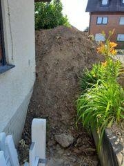 Erde Mutterboden zu verschenken biete
