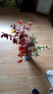 Deko Vase blau mit Blumen