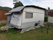 Knaus Azur Wohnwagen mit Vorzelt