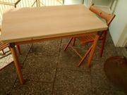 Küchentisch ausziehbar mit zwei Holzstühlen
