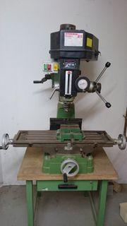Ständerbohr- und Fräsmaschine