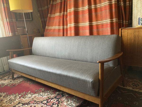 Retro Bettklapp-Couch Mitte 60-er Jahre