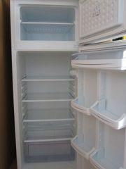 Gefrier - und Kühlschrank Komibnation 144