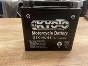 Neue Motorradbatterie