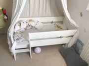 Mitwachsendes Kinderbett