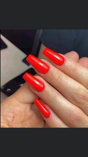 Rote lange Nägel wer möchte