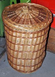 Stabiler Wäschekorb aus Weide