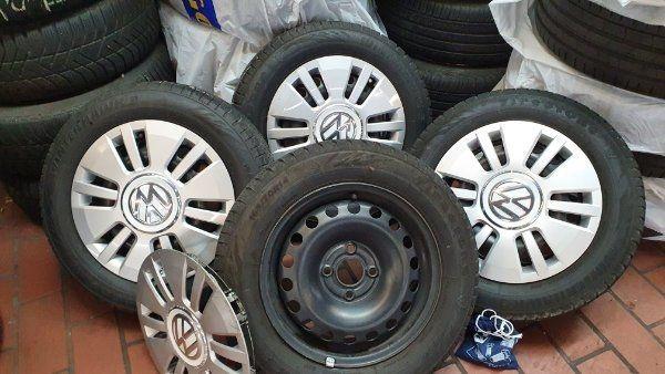 VW Up Räder mit Radkappen