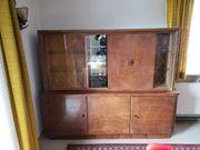 Antike und alte Möbel aus