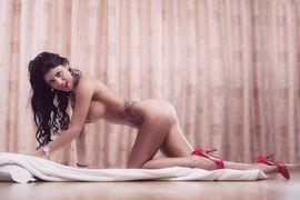 Sie sucht Ihn (Erotik) - Jünge Frau warten auf dich