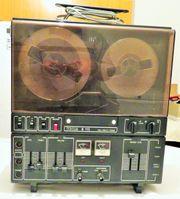 TESLA-Studio-Tonbandgerät B 115 mit 22