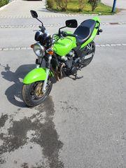 Verkaufe Kawasaki ZR7