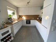 Schöne IKEA Hochglanzküche inkl Elektrogeräten