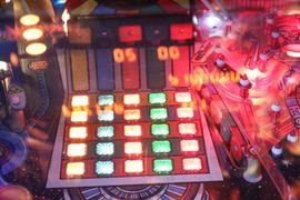 Spiele, Automaten - Williams Pin Bot Flipper