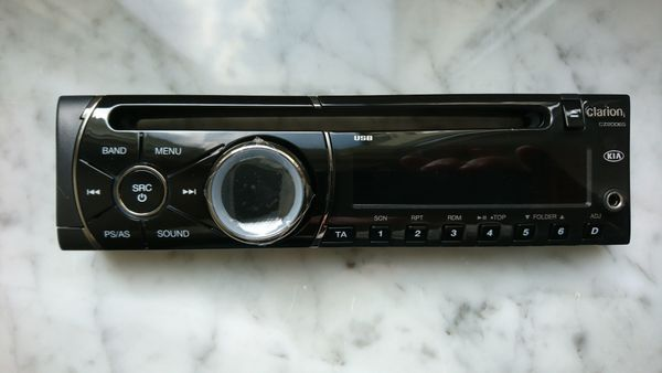 Neues originales Autoradio mit CD-Spieler