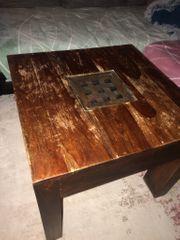 Tisch in braun Echtes Holz