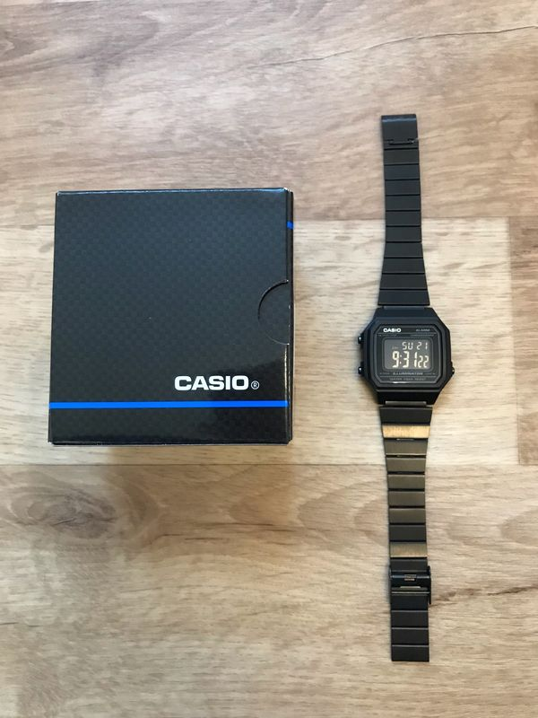 Verkaufe neue Retro Casio Uhr