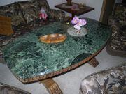 Wohnzimmertisch mit glanzpolierter Marmorplatte dunkelgrün