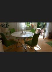 Schöner Esstisch inklusive 4 Stühle