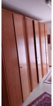 Schlafzimmerschrank aus Teilbuche oder Eiche