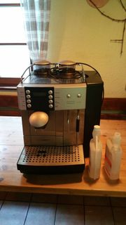 Kaffee-Vollautomat Kaffeemaschine Profi mit Unterschrank