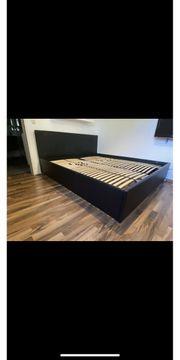Bett in Lederoptik 180x200 cm
