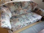 Sehr gut erhaltenes Sofa mit