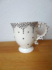 Tasse Porzellan Schnörkel Henkel Punkte