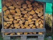Kaminholz Brennholz Feuerholz Trocken