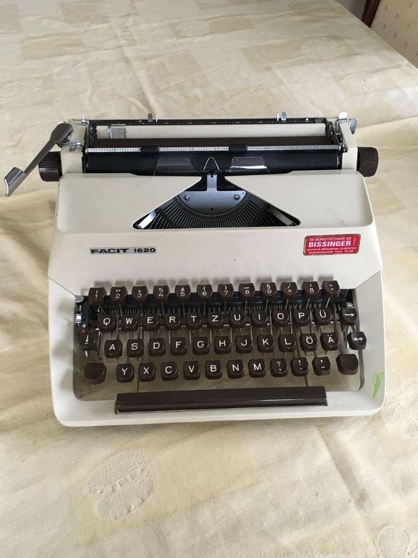 Koffer-Schreibmaschine aus den 70ern