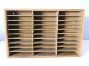 Kleines Holzregal für Kleinteile Musikkassetten