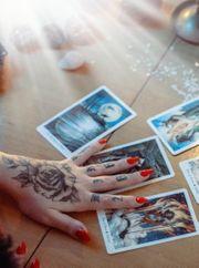Kartenlegen mit Herz und Humor