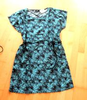 NEUES schwarzes Kleid mit Türkisen