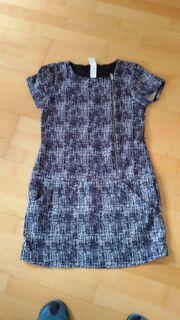 schwarzweißes Kleid Größe 170 von