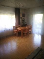 Sonnendurchflutete Hochparterre-Wohnung mit drei Zimmern