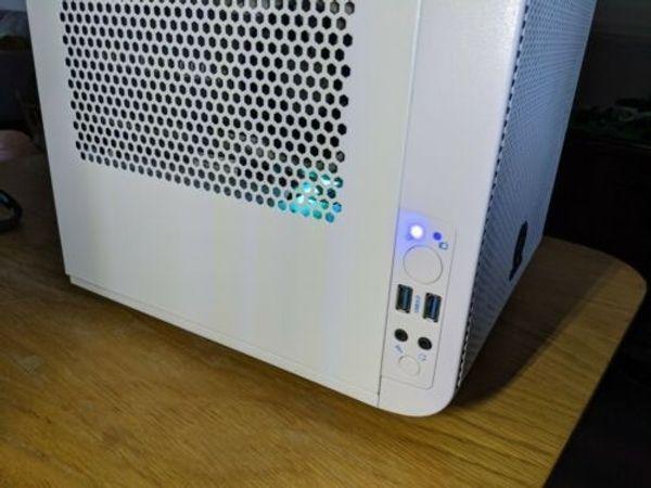 Intel i7 6700k 4. 2Ghz Nvidia 1080Ti