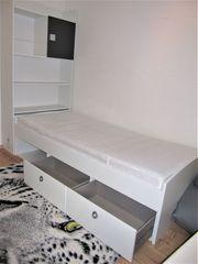Bett incl Lattenrost und Matratze